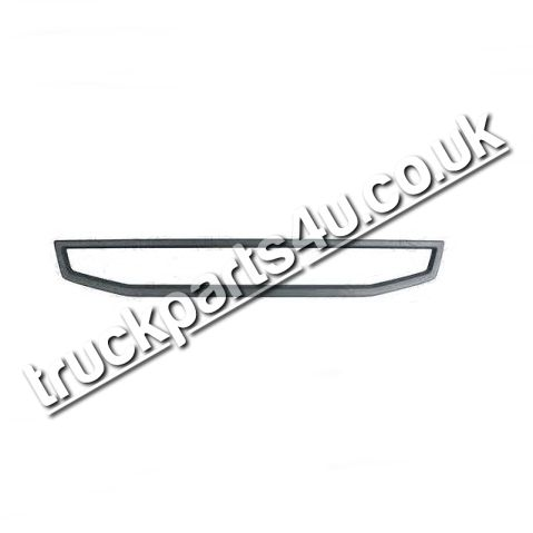TP4U - VOLVO LOWER GRILLE RIM UPPER